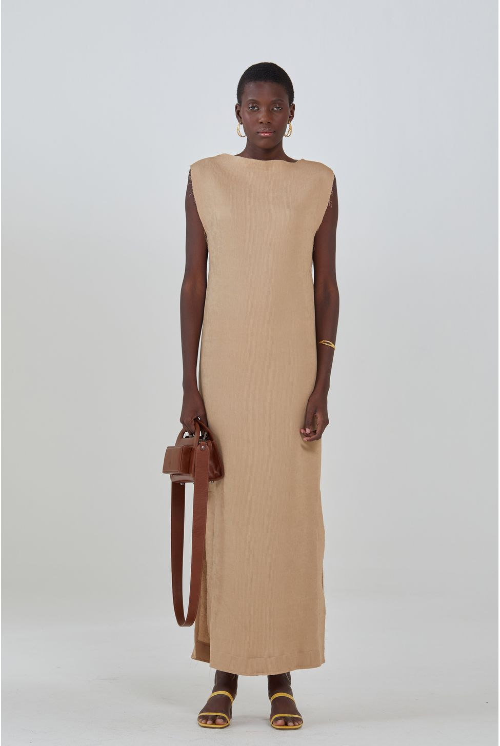 misci-vestido-marrom-frente