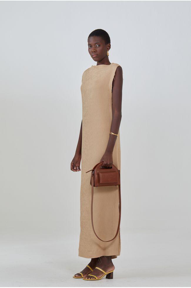misci-vestido-marrom-lado
